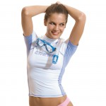 CRS0021_Rash_Guard_lady_use_